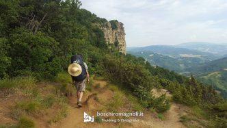 Sentiero per Monte Adone sulla Via degli Dei